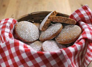 Colonial Williamsburg ginger cakes from the Raleigh Tavern
