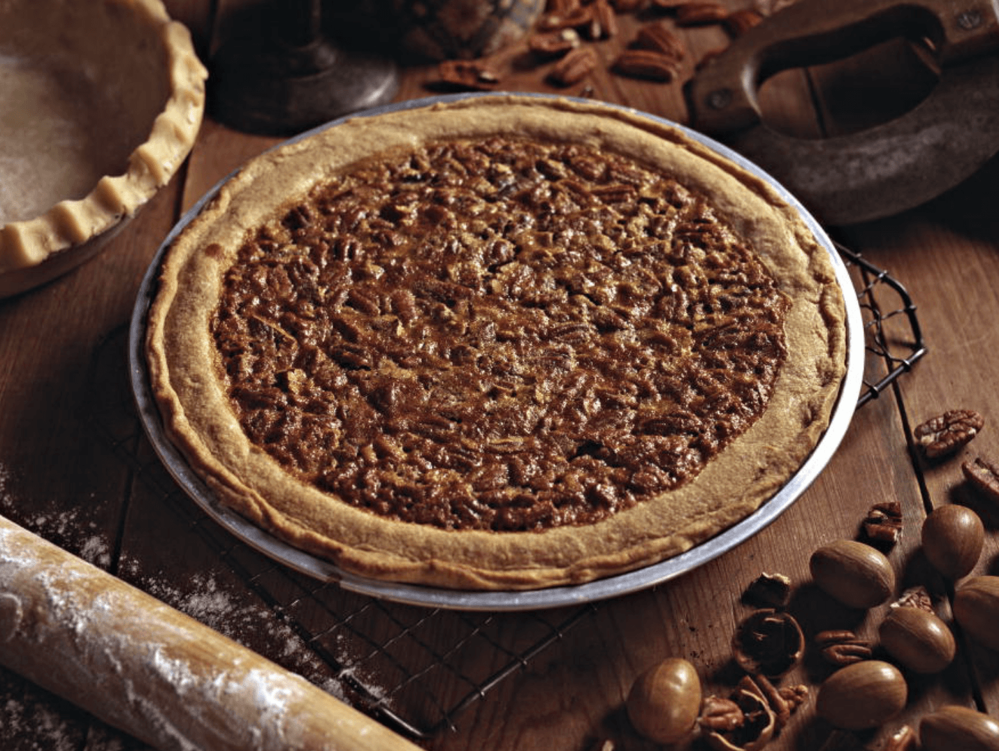 raleigh tavern thanksgiving pie sale, pecan pie, also offering pumpkin and rum cream in colonial williamsburg williamsburg viriginia